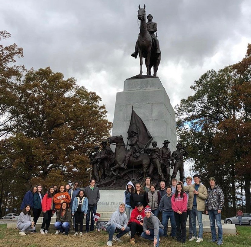 Applied+History+students+take+a+group+picture+at+Gettysburg+during+their+first+semester+field+trip.+This+field+trip+is+one+of+many+real-world+experiences+which+Applied+History+offers+to+the+ambitious+students+who+take+the+class.