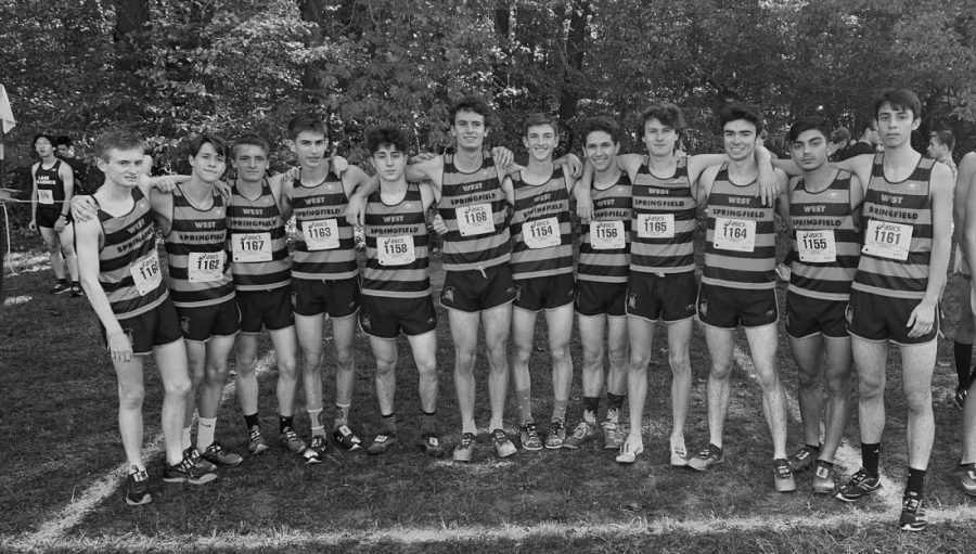 The+boys%27+cross+country+team+poses+for+a+celebratory+picture+after+taking+first+place+at+the+Patriot+District+Championship+at+Burke+Lake.+WS+had+six+boys+place+in+the+top+ten%3A+Sean+Stuck+and+Sam+Pritchard+took+first+and+second+place+ahead+of+Alex+Asady%2C+Chris+Weeks%2C+JJ+Comely%2C+and+Nate+Pohlsander.+The+girls%27+cross+country+team+also+performed+well%2C+with+Katie+Orchard+and+Amy+Herrema+taking+second+and+third+place%2C+respectively.+