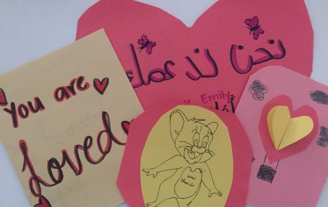 Heartwarming cards of support members of SWV made to send to victims of war in Yemen. They were written in both English and Arabic for understanding purposes. Arabic phrases with English translations were displayed on the board for club members to choose and write down.