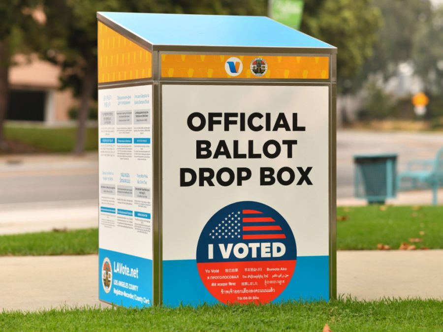 An official ballot drop box is set up in Los Angeles on September 12, 2020, ahead of the November 3 presidential elections. (Photo by Chris DELMAS / AFP) (Photo by CHRIS DELMAS/AFP via Getty Images)